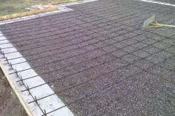 Чаще всего стяжку применяют на бетонных основаниях и перекрытиях