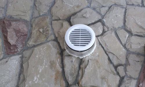 Вентиляционное отверстие в погребе