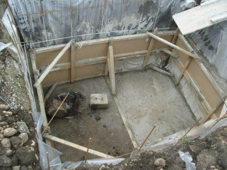 Погреб из цельного бетона
