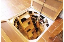 kraska 250x166 - Чем покрасить подвал в гараже